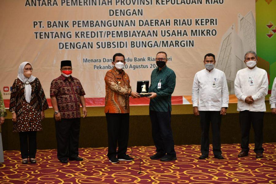 Gubernur Ansar Gandeng Bank Riau Kepri Berikan Pinjaman Lunak