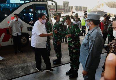 Danlantamal IV Sambut Menko Perekonomian RI Di Bandara Hang Nadim