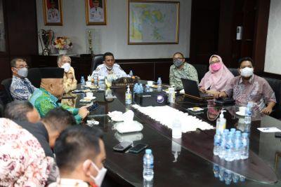 Rapat Pembahasan Rencana Pembangunan Jalan , Gubernur Tegaskan Harus Cepat selesai