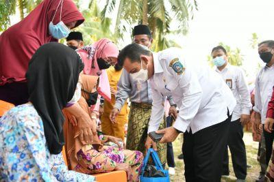 Upayakan Kepri Terang Benderang, Gubernur Ansar Resmikan Listrik Masuk Desa di Karimun